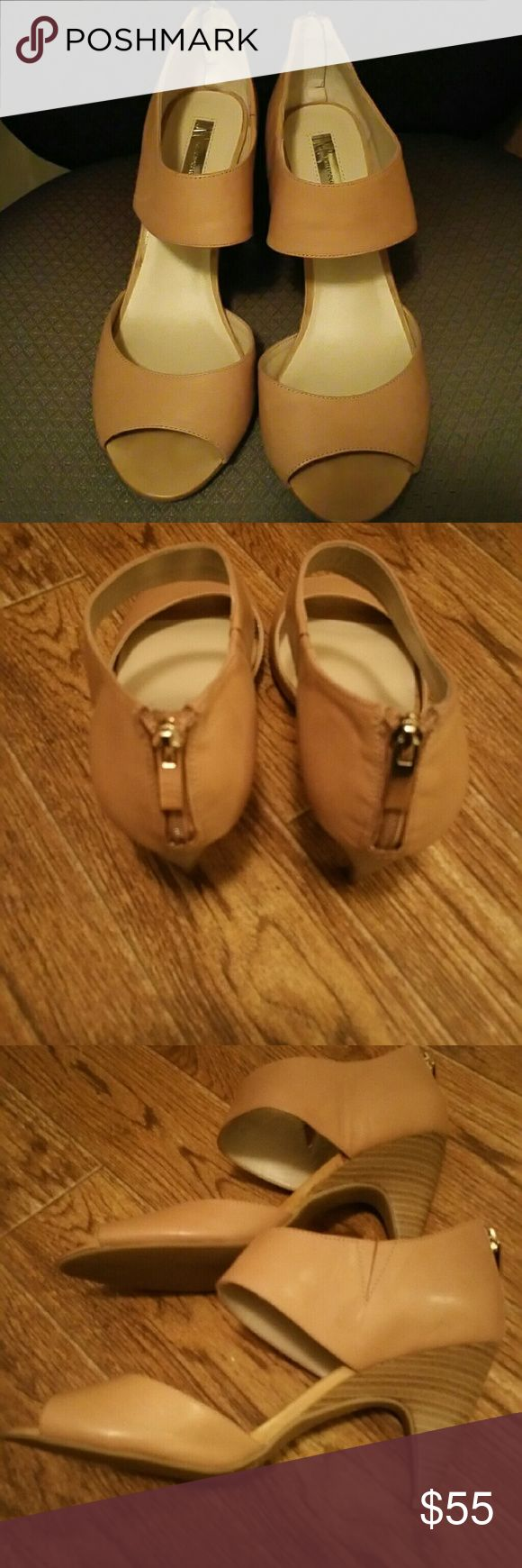 Taupe/Tan ladies shoes purchased at Macys New- tried on but never worn. No flaws, add.l pics upon request. Shoes Heels