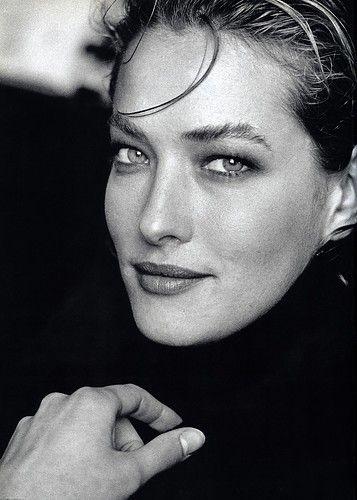 https://i.pinimg.com/736x/da/ef/e5/daefe5a384ee87c1df81362a423ac18b--female-models-top-models.jpg