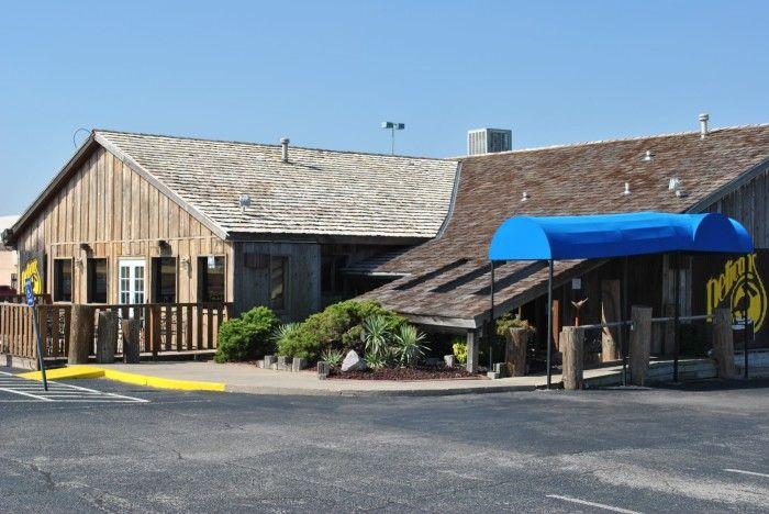 7. Pelican's Restaurant: Midwest City