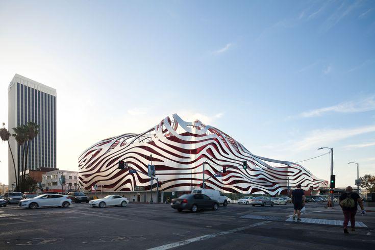 In Defense of Kohn Pedersen Fox's Petersen Automotive Museum