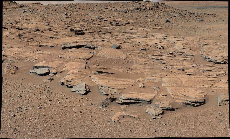 curiosity-rover-kimberley-mastcam-sandstone-pia19068.jpg (3619×2196)