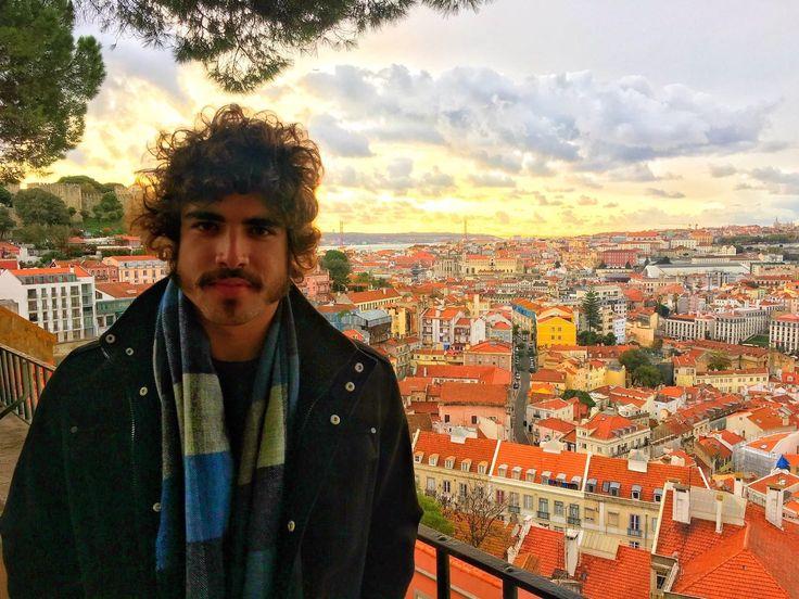 Caio Castro viaja para Portugal para preparação de personagem