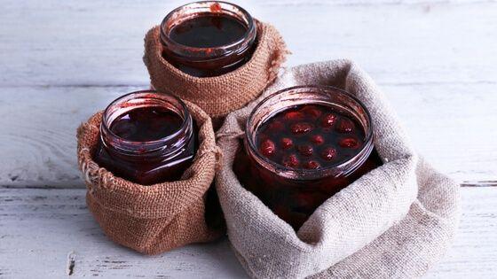 Třešňová marmeláda s rybízem
