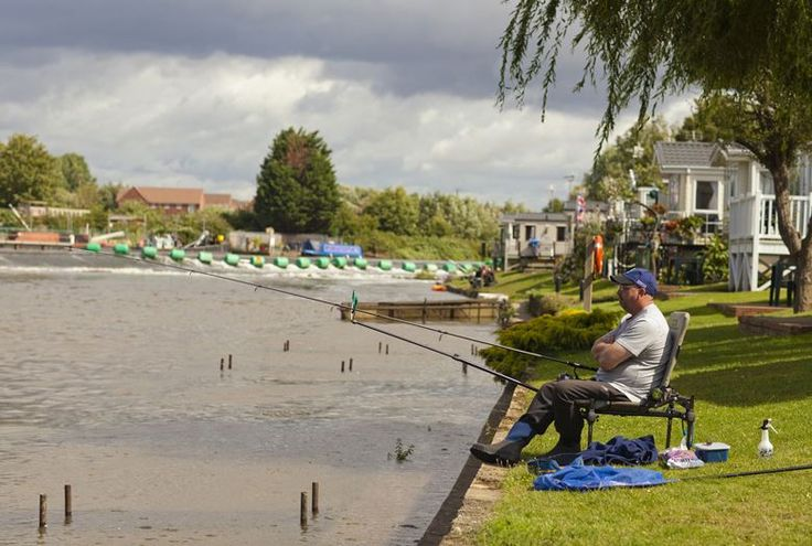 Weir Meadow Holiday Park Evesham, Worcestershire, The Cotswolds, England. Fishing. Holiday. Camping. Campsite. Family.