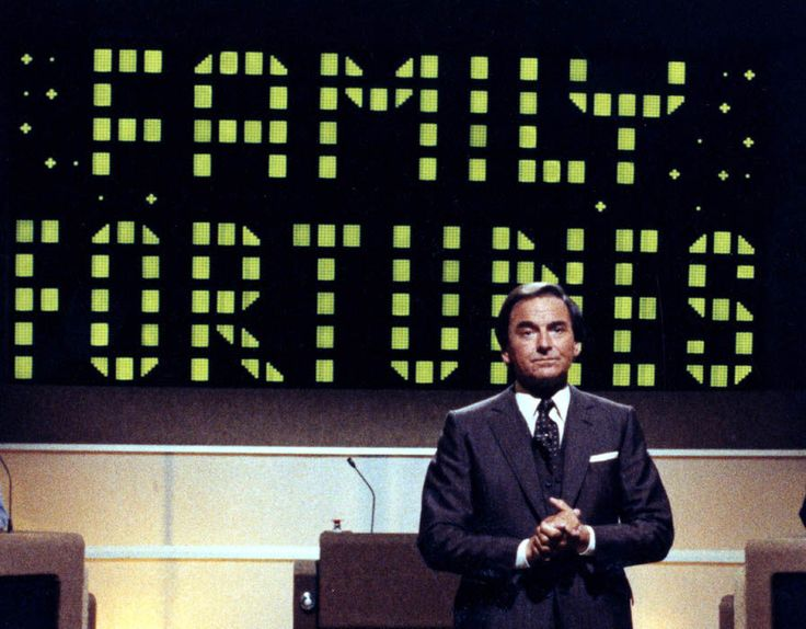 Bob Monkhouse Hosting 'Family Fortunes'