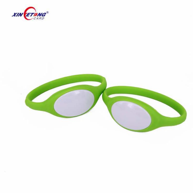Two Color Plastic Silicone wristband with 213 NFC Chip