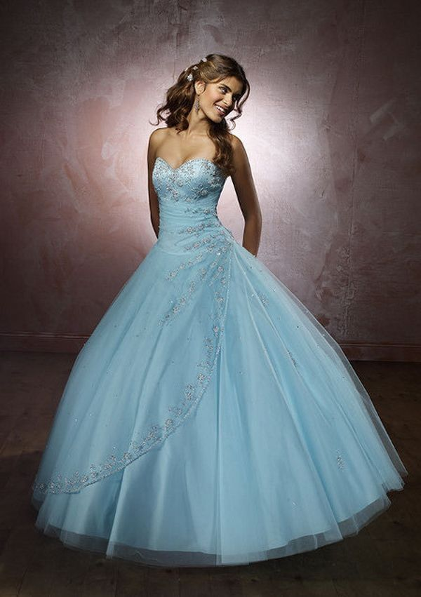 Perfect dress for an Alice in Wonderland wedding