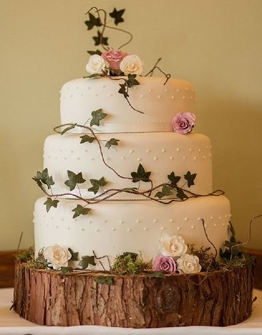 Awesome woodland wedding cake.