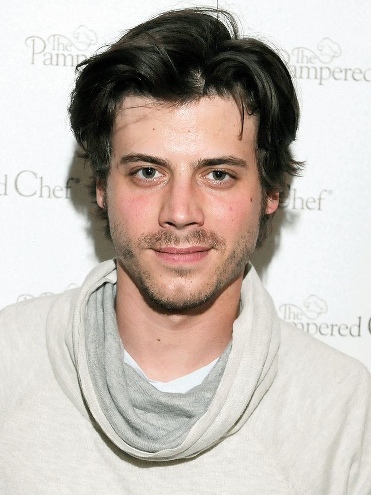 Learn more about François Arnaud at TVGuide.com with exclusive news, full bio and filmography as well as photos, videos, and more.