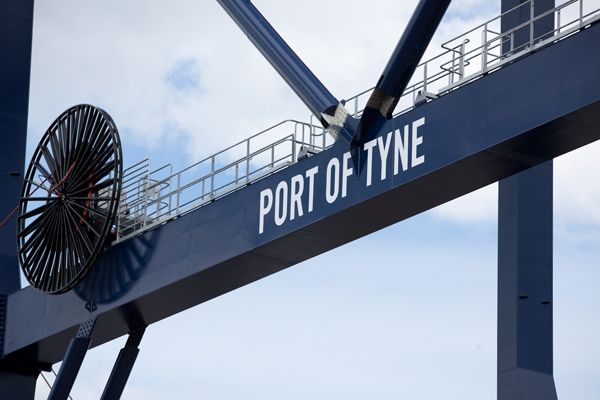 New gantry container crane at the Port of Tyne for more see www.portoftyne.co.uk
