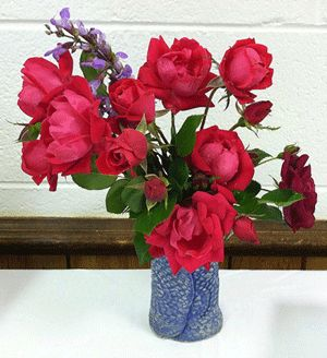 make fresh cut flowers last by adding a little bit of 7 up or sprite