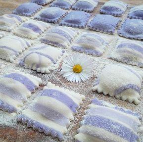 cucinama.com - Ravioli viola con ricotta gorgonzola e cavolo