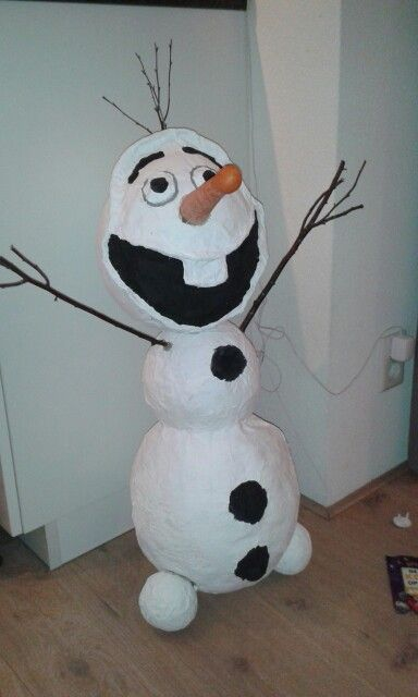 Olaf surprise van papiermaché