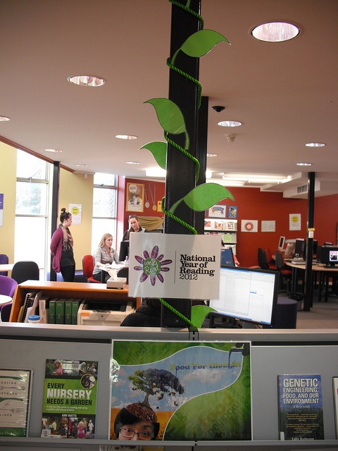 "National Year of Reading ""Grow"" display - Canberra Campus."