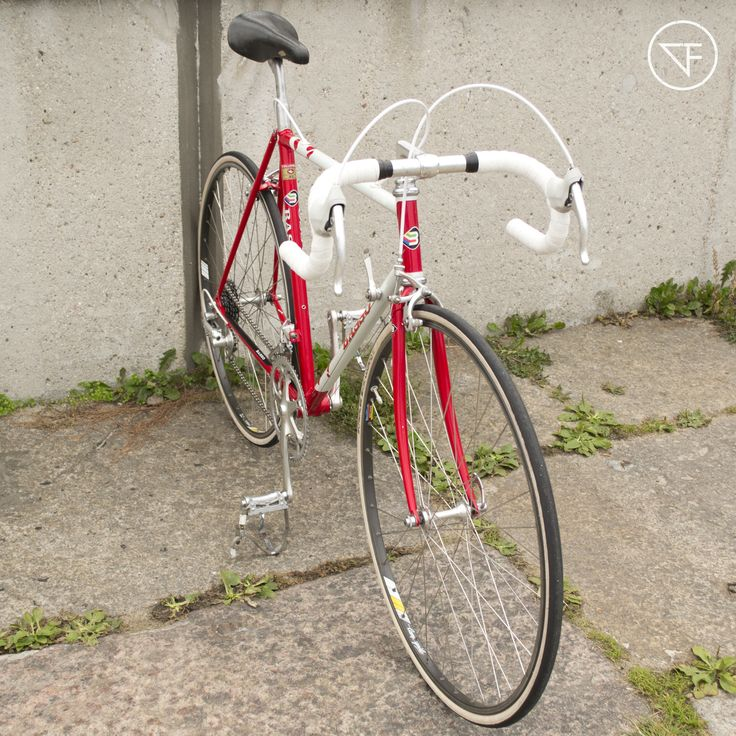 BASSO LOTO 1990. CAMPAGNOLO CHORUS | 3TTT | ROLLS #fajna_rama #fajnarama #fixielovers #fixieporn #fixergear #fixie #bikelovers #bike #bikes #bicycles #vintage #oldbike #onegear #singlespeed #custome #restore #steel #frame #3city #gdansk