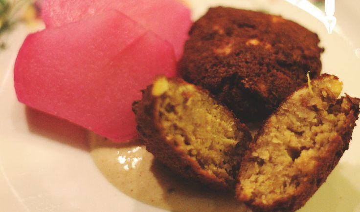 Libański falafel idealny z sosem tahini. - Blog prywatny Samar KhanaferBlog prywatny Samar Khanafer
