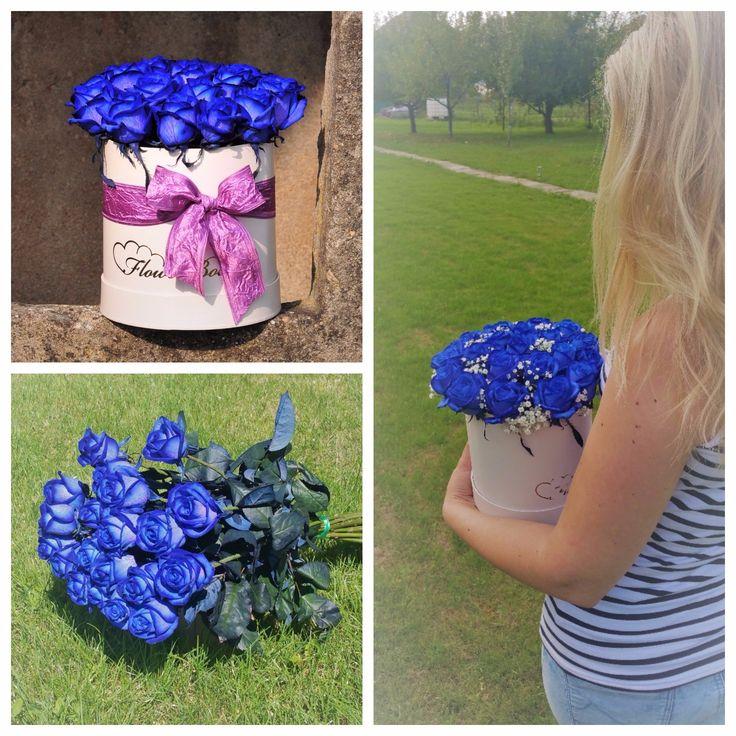 Kvetinový box z krásnych modrých ruží.  #buleroses #beautifulflowers #flowerdelivery #roses #modreruze #kvetyexpres #slovakia