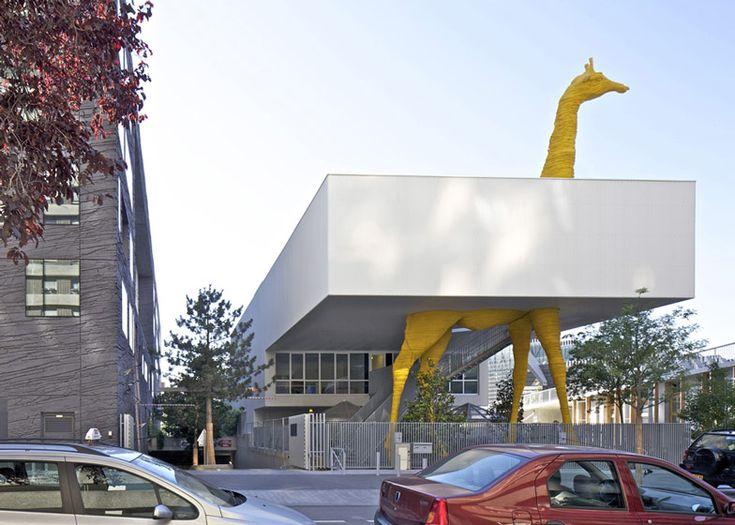 Architectuur met een hoofdletter A: Kinderdagverblijf de Giraf/buitenwijk Parijs