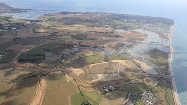 BBC News - Sea surrender plan to ease flood fears on south coast