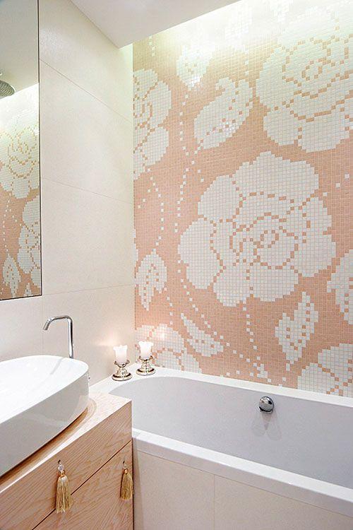 Mooie vrouwelijke badkamer