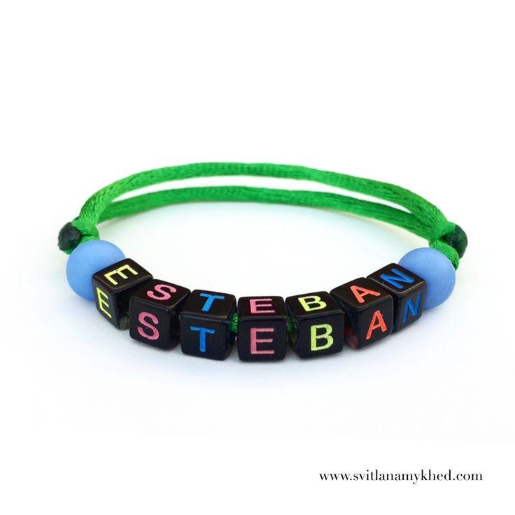 """Bracelet prenom nom message logo initiale surnom """"ESTEBAN"""" (réversible, personnalisable) homme, femme, enfant, bébé    Fermeture coulissante. Convient à tous les poignets! lettres acryliques 6x6mm sur fil de satin (2 mm.) couleur au choix.   Ce bracelet ne craint pas l'eau.  Vous pouvez toujours le garder sur le poignet (douche, piscine, vaisselles....)   Bracelet est personnalisable!!!"""