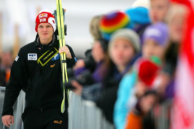 """Für den dreimaligen Olympiasieger Thomas Morgenstern kam der Durchbruch im Skisprung-Weltcup im Alter von 16 Jahren . Das 65-Kilo-""""Zarterl""""..."""