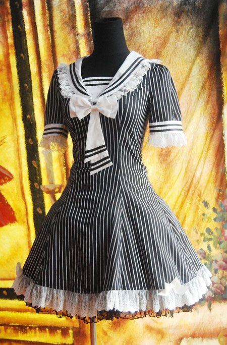 Robe gothic lolita écolière noire et blanche dentelle Infanta