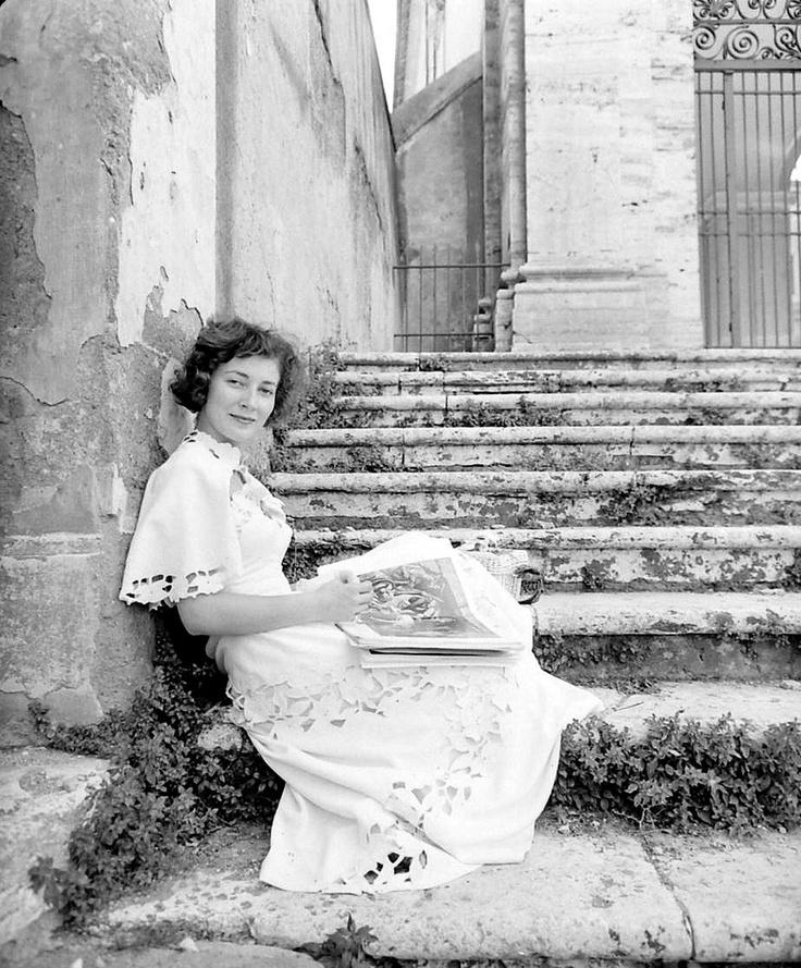 Famous Italians ~ Italian actress Valentina Cortese, photo by Nat Farbman, September 9, 1949