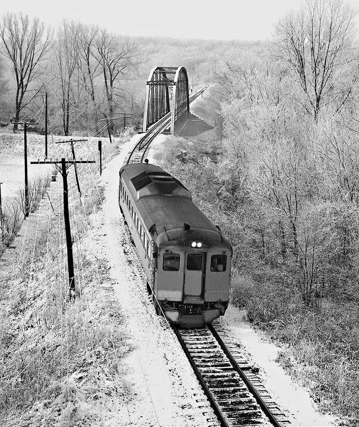 "aryburn-trains: ""	C&EI, Danville, Illinois, 1959 by Center for Railroad Photography & Art Via Flickr: Chicago & Eastern Illinois Railroad northbound Meadowlark passenger train approaching Danville,..."