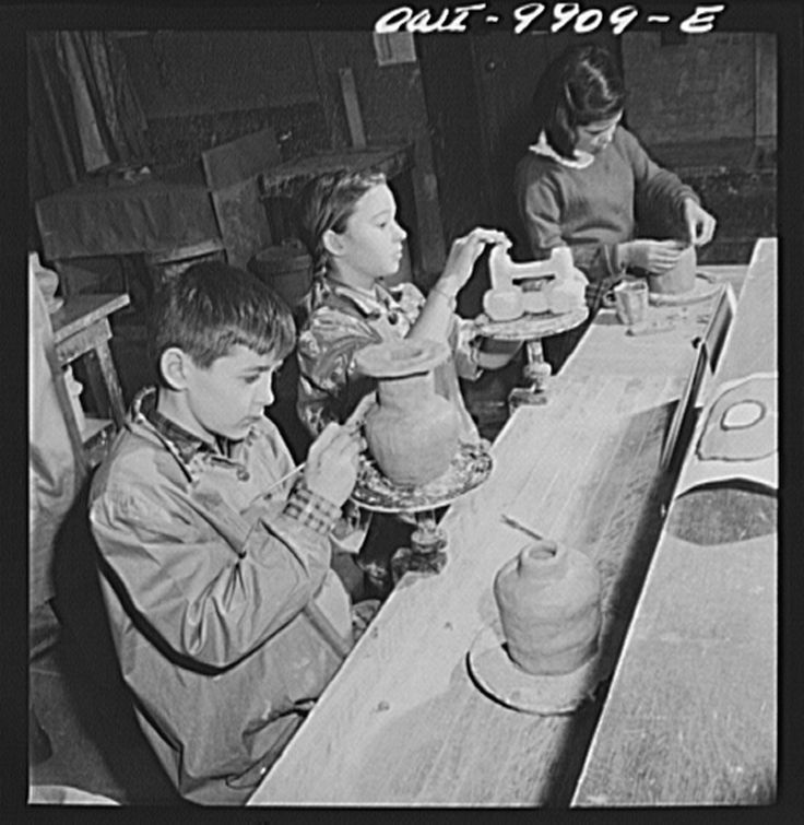 Progressive education. New York, New York. The Lincoln School of Teachers' College, Columbia University. Sixth-grade pupils making pottery influenced by Latin American design Photographer Marjory Collins  January 1942  New York, New York
