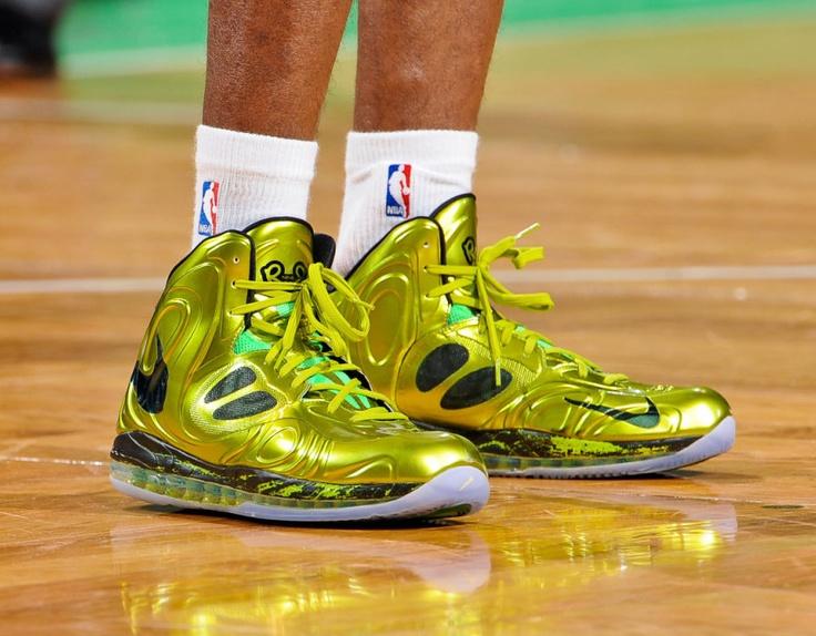 flashy nike shoes