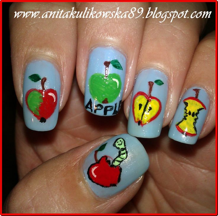 Apples on my nails :)