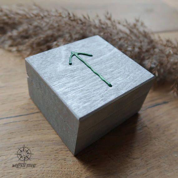 Tiwaz rune box Younger Futhark Týr rune Viking rune box
