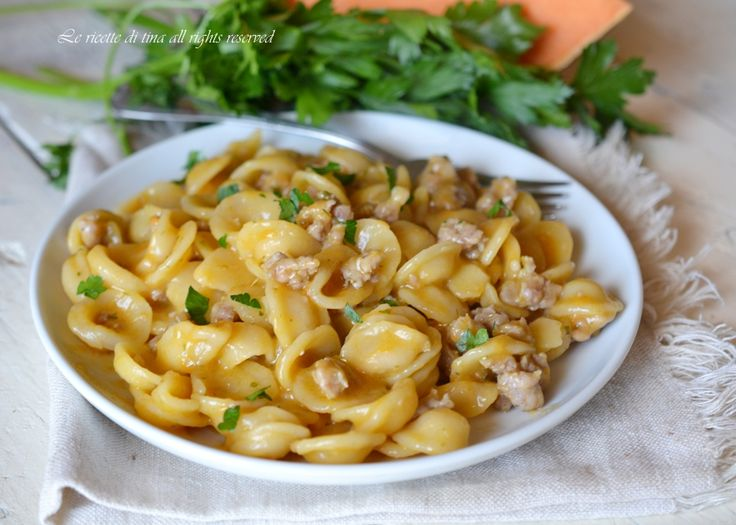 pasta risottata bimby,pasta zucca bimby,pasta zucca e salsiccia bimby,le ricette di tina,primi con bimby
