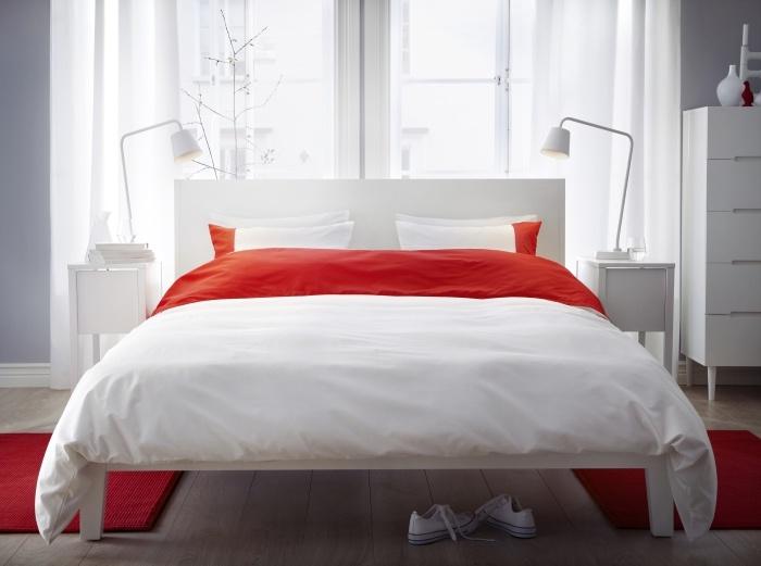 Μία έντονη πινελιά πολλές φορές αρκεί για να δώσει χαρακτήρα σε ένα «ουδέτερο» υπνοδωμάτιο! Απλά ρίξτε ένα χρωματιστό ριχτάρι στο κρεβάτι!