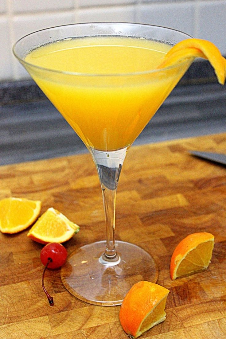 Paradise drink recipe, the perfect cocktail with gin, orange juice apricot brand