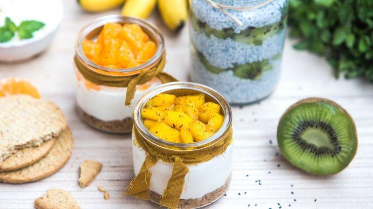 Připravte si jednoduché letní dezerty s čerstvým ovocem nebo z něj vyrobené. Vyzkoušejte cheesecake s mandarinkou a s mangem, výborný chia pudink s kiwi nebo se osvěžte domácí banánovou zmrzlinou.