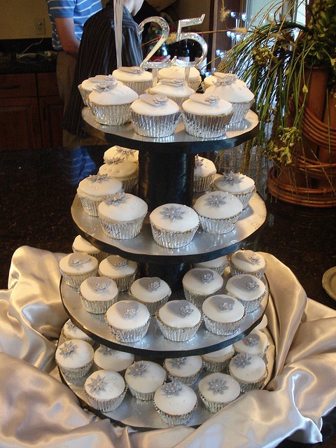 25th Wedding Anniversary Cupcakes by kopns, via Flickr