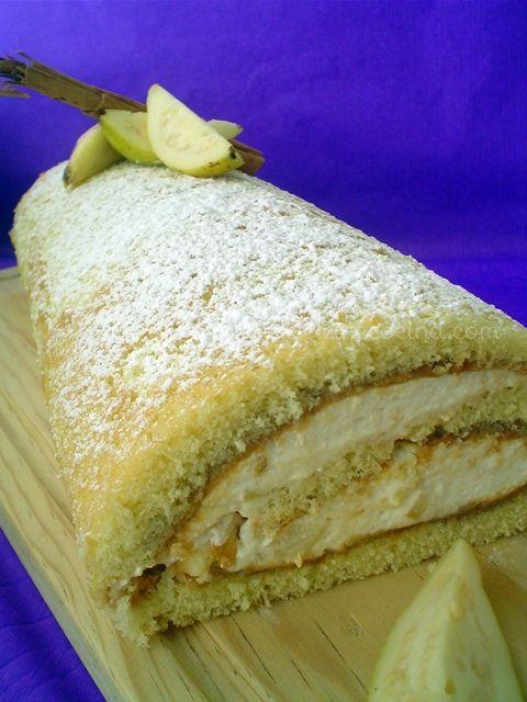 Rollo de guayaba con dulce de leche | Madeleine Cocina