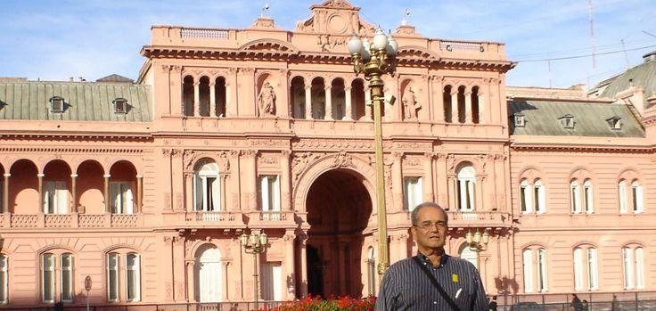 Buenos Aires, Argentina, 12 de agosto de 2005 Al fondo La Casa Rosada, sede del Poder Ejecutivo de la República Argentina