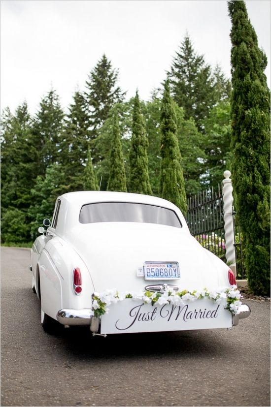 Elegant Empress Estate Wedding Ideas. #weddingchicks Captured By: Nikita Lee Photography http://www.weddingchicks.com/2014/08/28/elegant-estate-wedding-ideas/