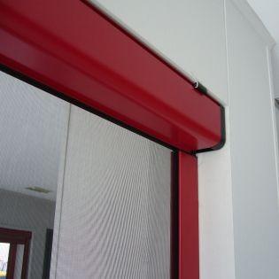 Η ηλεκτροκίνητη σήτα Cronos είναι ένα εξελιγμένο σύστημα κάθετης κίνησης το οποίο χρησιμοποιείται συνήθως σε παράθυρα και μπαλκονόπορτες μεγάλων διαστάσεων.