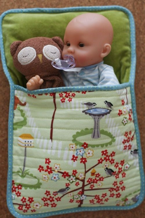 easy doll sleeping bag - we have so many babies in our house, they dont all have beds, but I have lots of old fabric!!