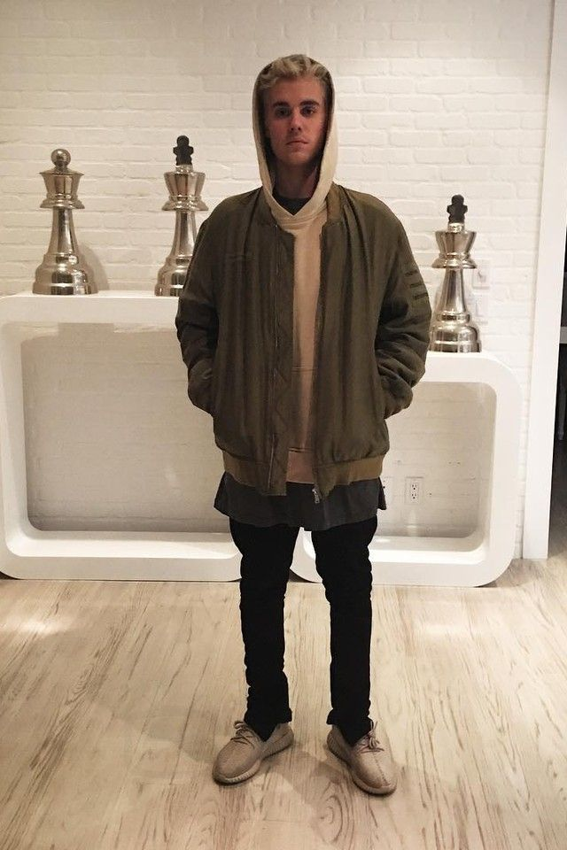 Justin Bieber wearing Undercover Blouson Undercover Homme, Adidas Yeezy Boost 350 , Fear of God The Everyday Hoodie, Fear of God Slim-Fit Drawstring Trousers, Stampd Boxy T-Shirt|| Follow @filetlondon for more street wear #filetlondon