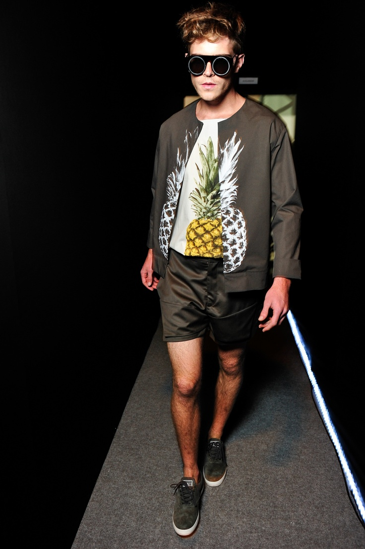 R.Groove | Rio de Janeiro | Verão 2014 RTW - if any man wearing a silky pineapple and goggles walks towards me, I'll be calling for help!