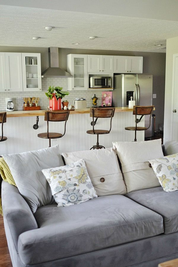 Beachy Living Room<br> : Best 25+ Small Bungalow ideas on Pinterest  Bungalow decor, Small terrace and Small patio gardens