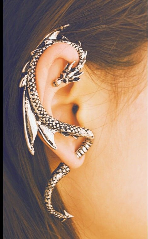 Too bad I stretched my ears, can't wear this. But its pretty damn awesome ~