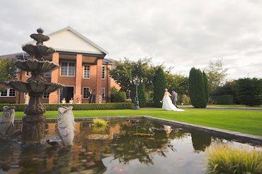 Sarnia Park - picture perfect wedding location in Hamilton