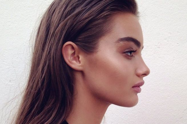 What Do I Use to Contour and Highlight | How to: Contour and Highlight Cheekbones Using Makeup