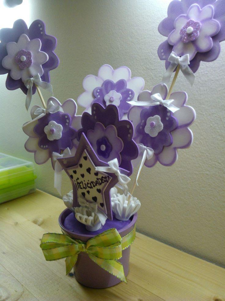Maceta decorada flores goma eva